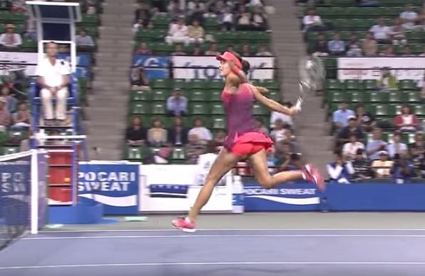 Ana Ivanovic n'a pas encore frappé la balle mais la Serbe va improviser.