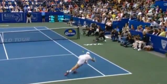 """Andy Roddick a signé, d'après ses dires, """"le plus beau coup de sa vie"""", sur la balle de match du tournoi de Memphis 2011."""