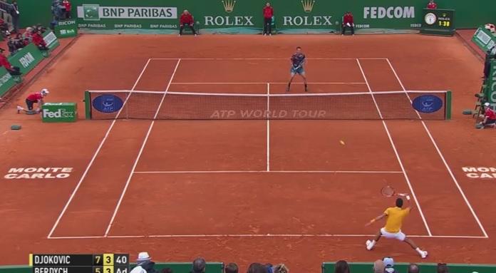 Ce passing de Novak Djokovic