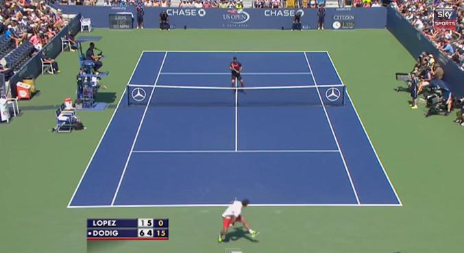 Ivan Dodig fait le show avec un tweener lobé parfait au premier tour de l'US Open 2014.