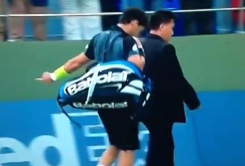 Le doigt d'honneur de Fabio Fognini en sortant du court.