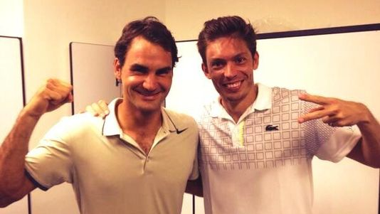 Roger Federer et Nicolas Mahut jouent ensemble en double à Brisbane.
