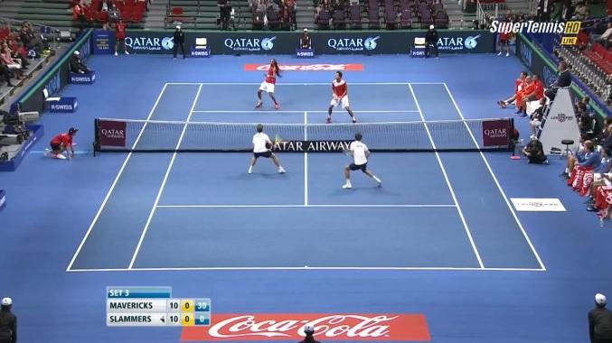 Encore un point de dingue en double sur Tennis Legend.