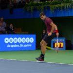 Grigor-Dimitrov-deux-trick-shots-à-la-suite-Stockholm-2014-point