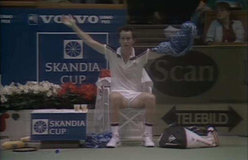 Le plus gros craquage de la carrière de John McEnroe.