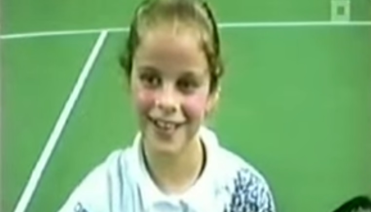 Kim Clijsters à 9 ans. Le visage n'a pas beaucoup changé par la suite.