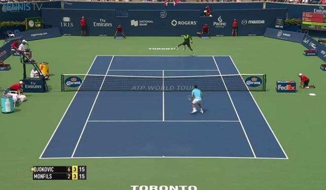 Gaël Monfils régale avec ce tweener contre Novak Djokovic au deuxième tour du Masters 1000 de Toronto 2014.