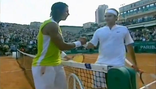 Rafael Nadal conserve son titre au Masters Series de Monte-Carlo 2006 en dominant Roger Federer en finale.
