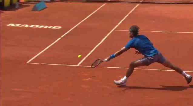 Jarkko Nieminen déborde Rafael Nadal au Masters 1000 de Madrid 2014.