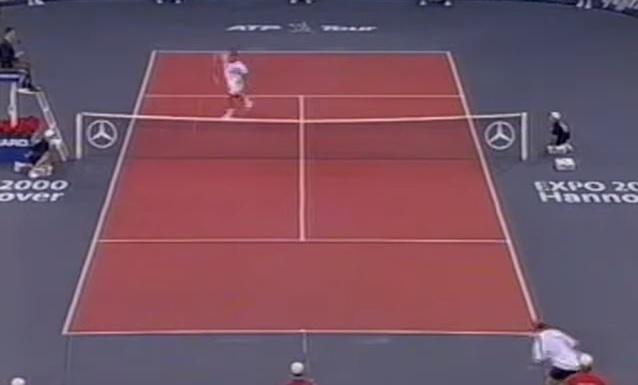 Pete Sampras fissure sa raquette sur un smash contre Andre Agassi.