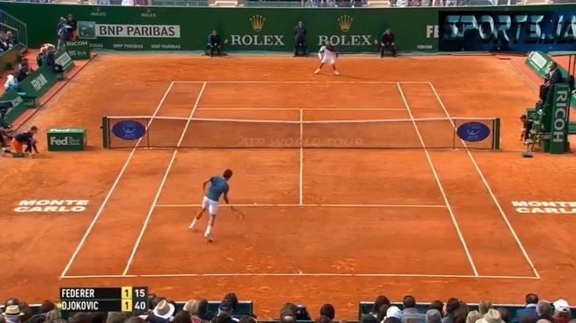 La merveille d'amortie de Roger Federer à Monte-Carlo.