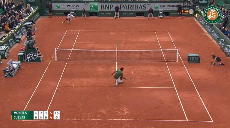 Monfils a enflammé le court Suzanne Lenglen lors du Jour 6 à Roland Garros.