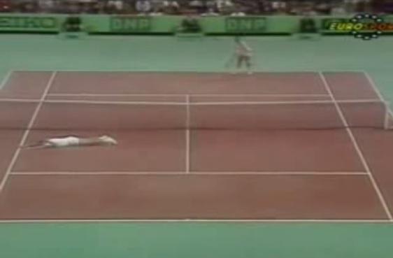 Stefan Edberg remporte un des plus beaux points de l'histoire du tennis contre