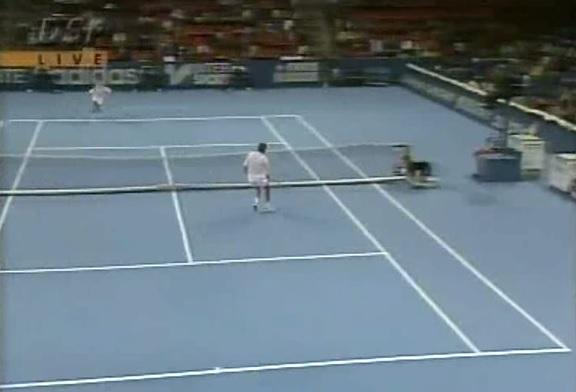 Michael Stich et Stefan Edberg ont régalé en finale du tournoi de Bâle 1993.