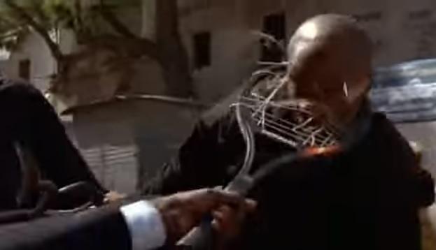 L'arme fatale de Vijay Amritraj dans Octopussy.