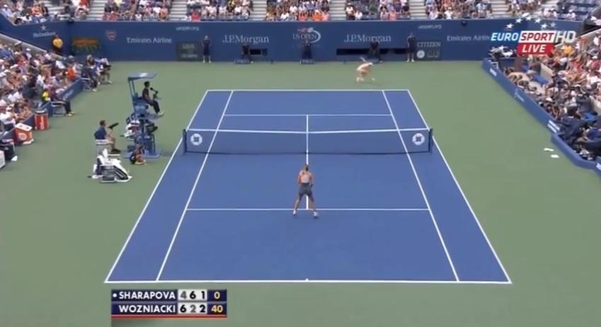 Caroline Wozniacki a été énorme en défense contre Maria Sharapova en huitièmes de finale de l'US Open 2014.