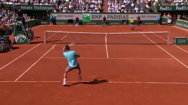 Un banana shot impressionnant de Rafael Nadal en demi-finales de Roland Garros 2014.