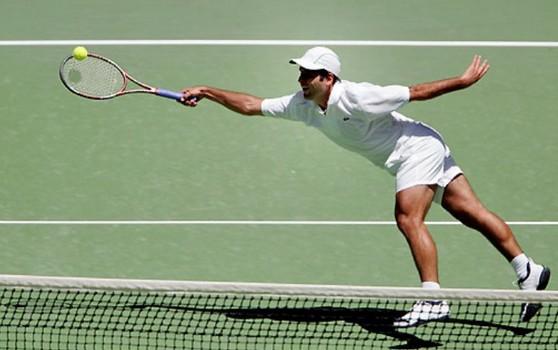 Fabrice Santoro aura mené la vie dure à David Nalbandian pendant un set à l'Open d'Australie 2006 (DR).