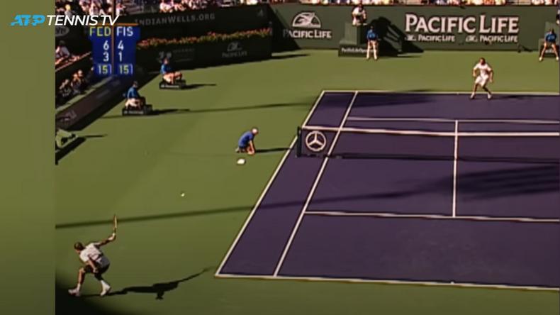 Federer ou l'art de ne pas se servir du filet. Son adversaire Mardy Fish le poisson peut le remercier.