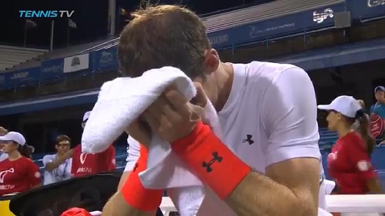 Andy Murray fond en larmes après sa victoire contre Marius Copil à Washington.