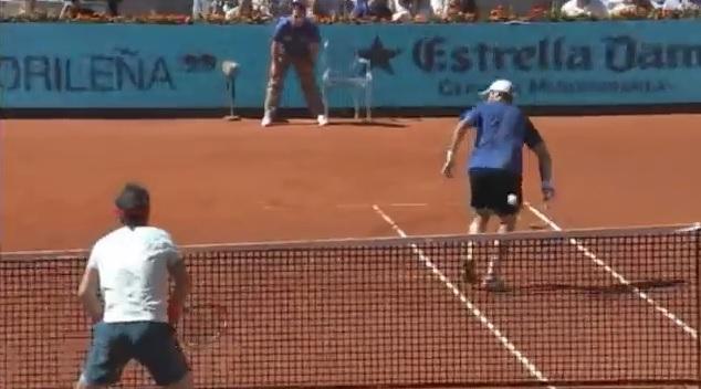 Le délicieux trick shot de Pablo Andujar au Masters 1000 de Madrid 2014.