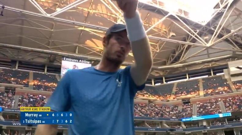 Andy Murray a sorti la sulfateuse contre Stefanos Tsitsipas par rapport aux pauses du Grec, au premier tour de l'US Open 2021.