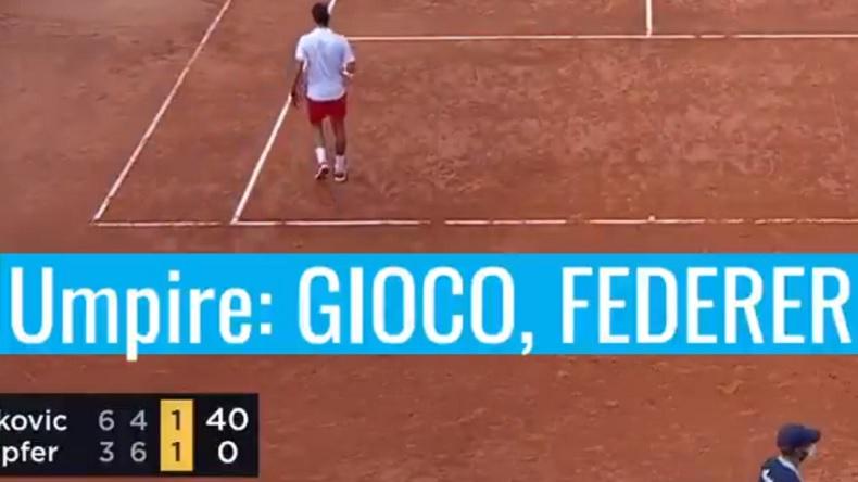 """La boulette de l'arbitre qui annonce """"Jeu Federer"""" lors du match Djokovic - Köpfer, à Rome."""