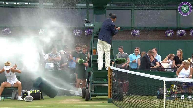 L'arrosage automatique devient fou à Wimbledon.