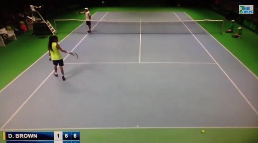 L'arbitre du match Brown/Ignatik