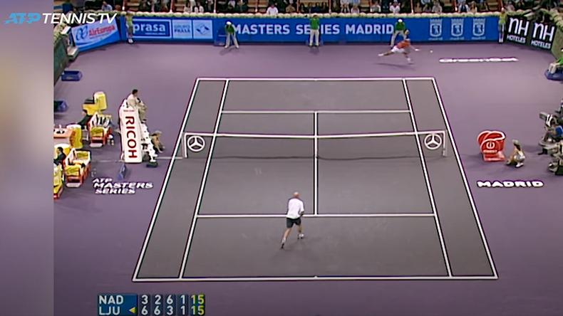 Un passing énorme en bout de course de Nadal contre Ljubicic en finale de Madrid en 2005. La première remontada de l'Espagnol.