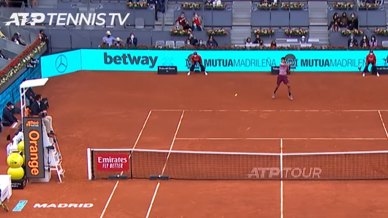 Les coups de fusil de Carlos Alcaraz en coup droit contre Mannarino, au Masters de Madrid.