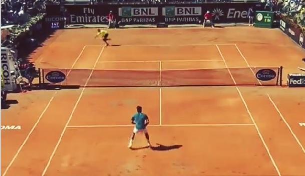 Jérémy Chardy est passé à un point de la sortie contre Roger Federer mais il a réussi ce passing énorme.