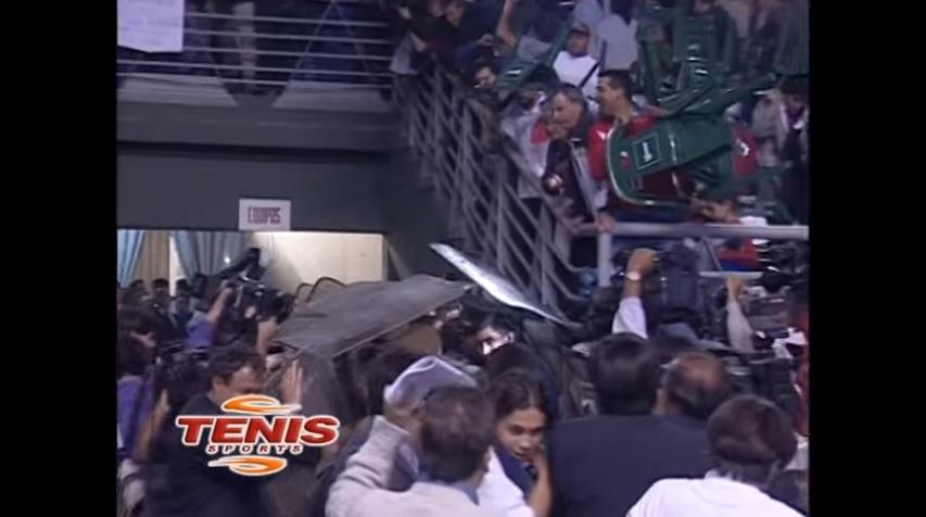 Chili - Argentine, Coupe Davis 2000 : le chaos dans les tribunes.