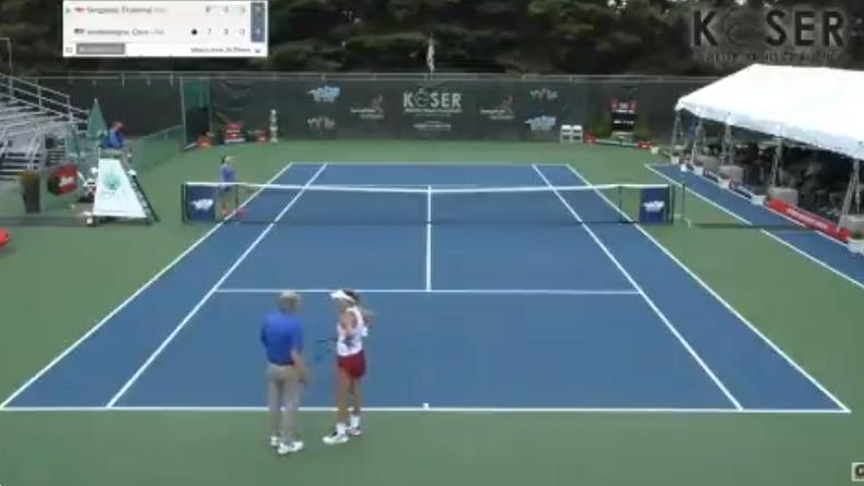 Coco Vandeweghe brade l'échauffement à la reprise du jeu à l'ITF Landisville.