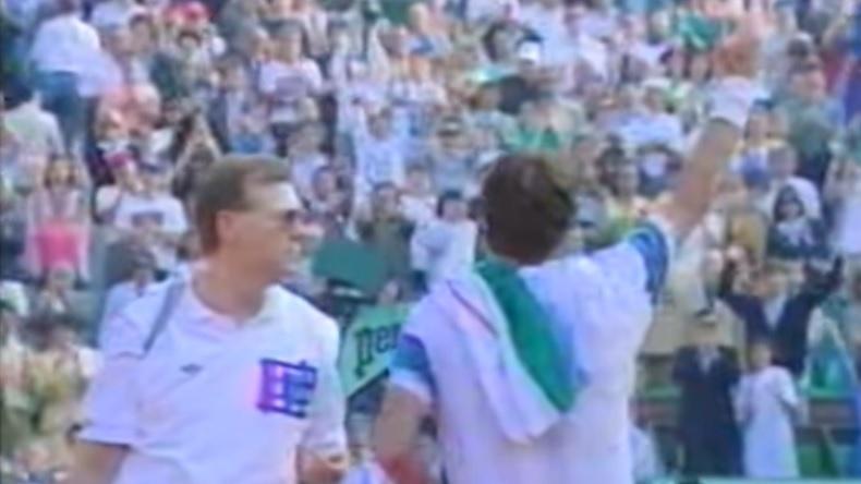 """En 1991, Jimmy Connors disputait son dernier match à Roland-Garros. """"Jimbo"""" avait reçu une sublime ovation de la part du puoblic parisien."""