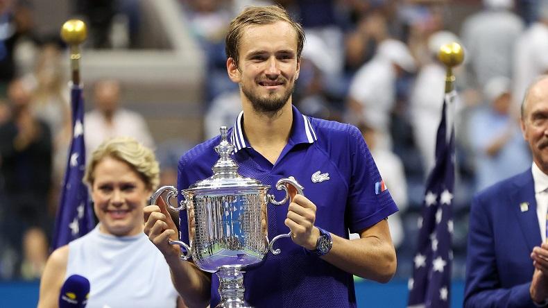 Daniil Medvedev brise le rêve de Djokovic et remporte son premier titre du Grand Chelem à l'US Open 2021.