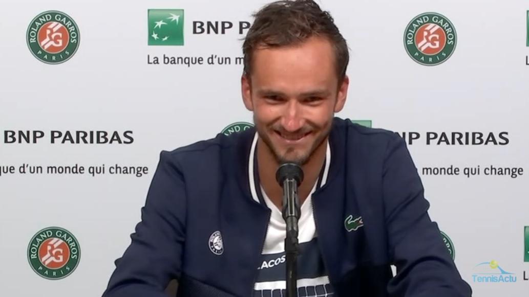 Daniil Medvedev envoie un scud à l'organisation de Roland-Garros en conférence de presse, après son quart de finale.