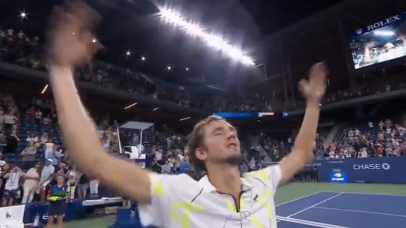 Daniil Medvedev provoque le public à l'US Open.