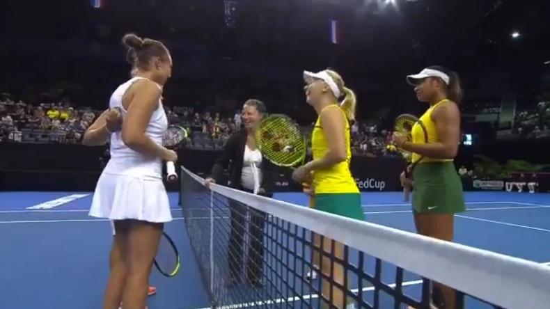Garçon ou fille ? La question amusante de Daria Gavrilova à l'arbitre en Fed Cup.