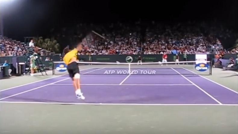 Un résumé complet, filmé à hauteur des joueurs, du match Del Potro vs.Kohlschreiber à Miami en 2011.