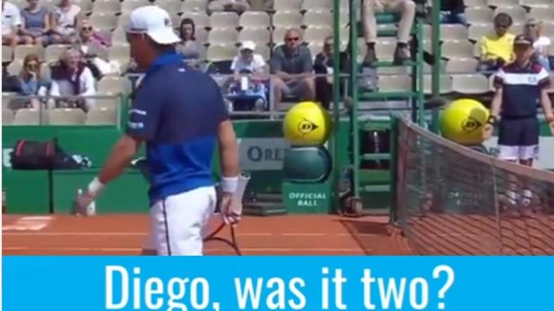 Fair-play, Diego Schwartzman dit à l'arbitre que la balle a rebondi deux fois lors d'un double à Monte-Carlo.