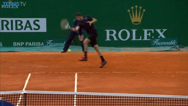 Le banana shot de Grigor Dimitrov au Masters 1000 de Monte-Carlo 2014.