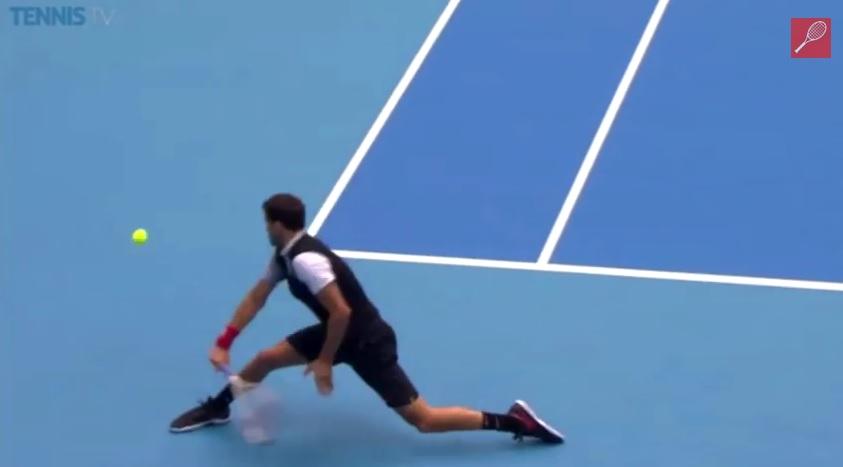 Grigor Dimitrov va réussir un passing magnifique contre Novak Djokovic au tournoi de Pékin 2014.