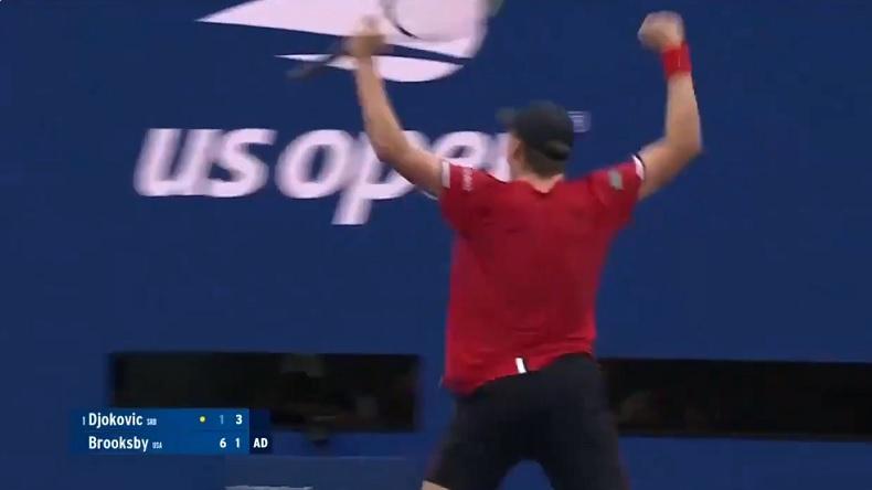 Jenson Brooksby gagne un jeu de 19 minutes contre Novak Djokovic en huitièmes de finale de l'US Open 2021.