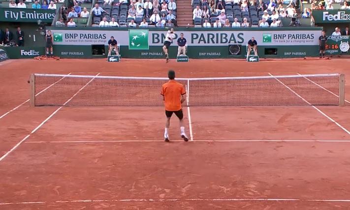 La demi-finale entre Djokovic et Murray à Roland Garros a changé de dimension après ce point de l'Ecossais.