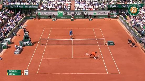 Un point incroyable entre Novak Djokovic et Rafa Nadal.