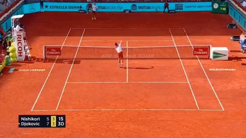 La bi** au filet, Novak Djokovic rate le smash le plus facile de sa vie au Masters de Madrid 2018.