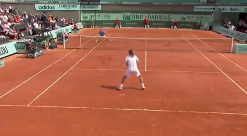 Alexandr Dolgopolov abuse des amorties contre Viktor Troicki au troisième tour de Roland Garros 2011.