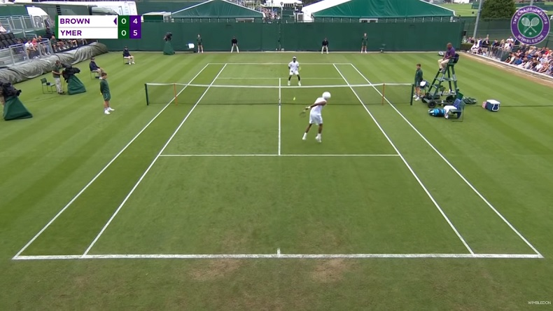 La volée dans le dos de Dustin Brown aux qualifications de Wimbledon 2019.