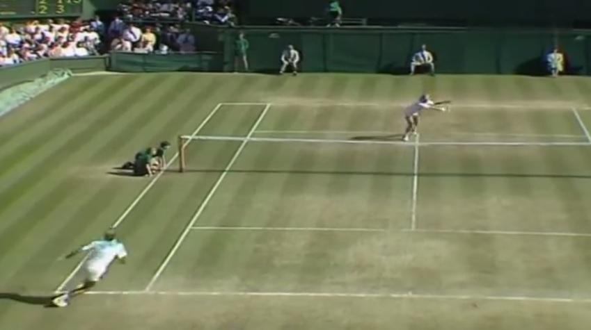 Stefan Edberg et Boris Becker se retrouvent en 1990 pour la troisième fois de suite en finale de Wimbledon.